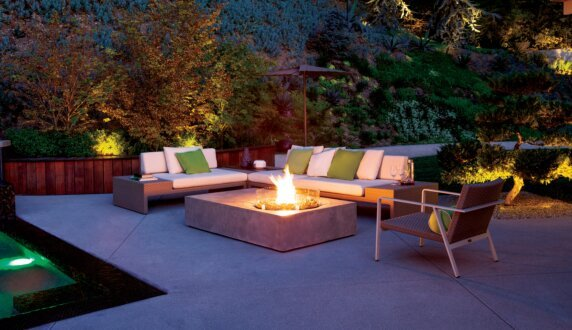 La Canada Residence - Equinox Brown Jordan Fire by Brown Jordan Fires